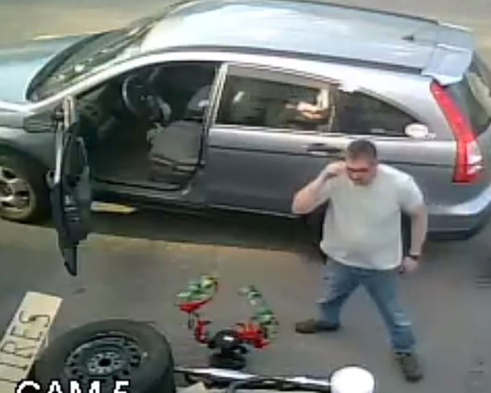 Groveland Police Seek Public's Help Identifying Man Believed to Have Stolen From Auto Body Shop